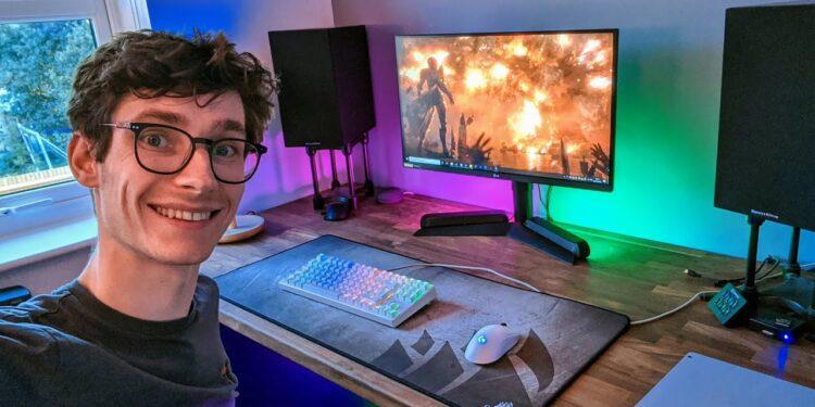 Top 15 Best Gaming Computer Desks of 2021